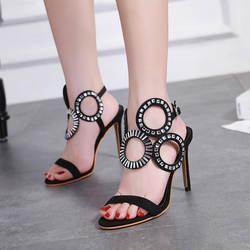 Пикантная женская обувь с круглым носком, со стразами, с открытым носком, черного цвета, на тонком высоком каблуке, с ремешком на щиколотке