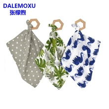 DALEMOXU 2PC Baby Saliva Towel With Wood Teether Cotton Hedgehog Orange Style Muslin Bib Kerchief Scarf Infant Burp Cloth