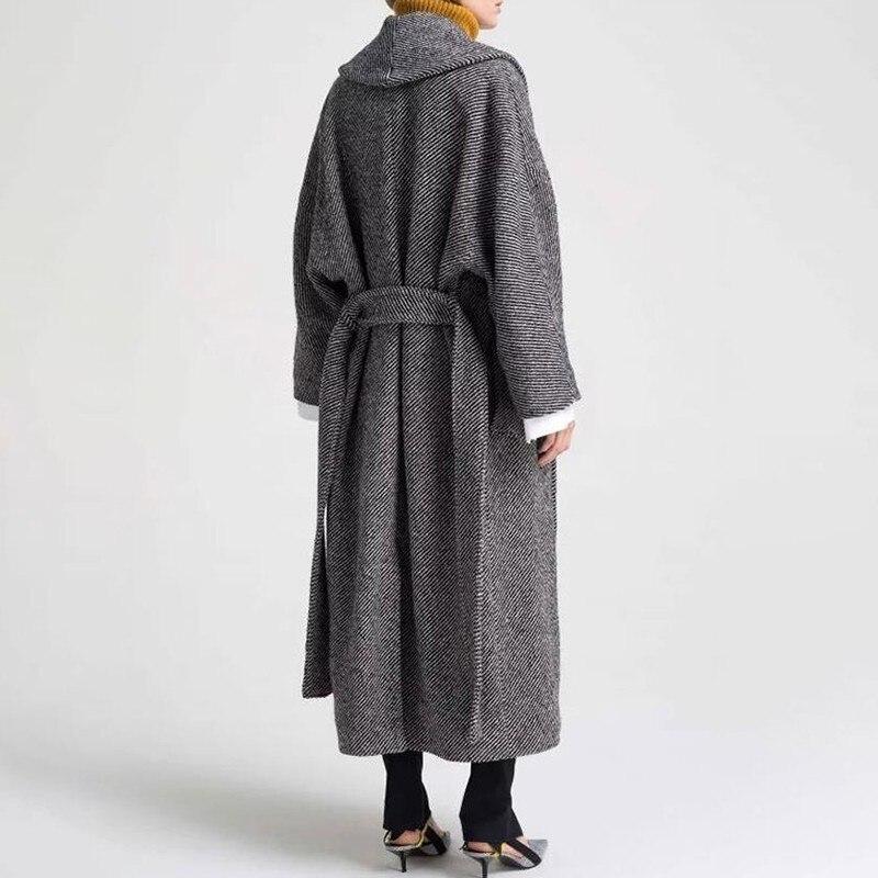 TWOTWINSTYLE Tweed płaszcze sweter damski z długim rękawem Lace Up powrót podział paski kobiety kurtki 2019 jesień moda ponadgabarytowych w Wełna i mieszanki od Odzież damska na  Grupa 3