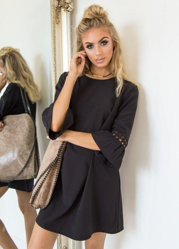 Summer Round O-Neck Fashion Elegant Dress Maxi Party Dress Half Sleeve Flare Sleeve Hollow Out Dress