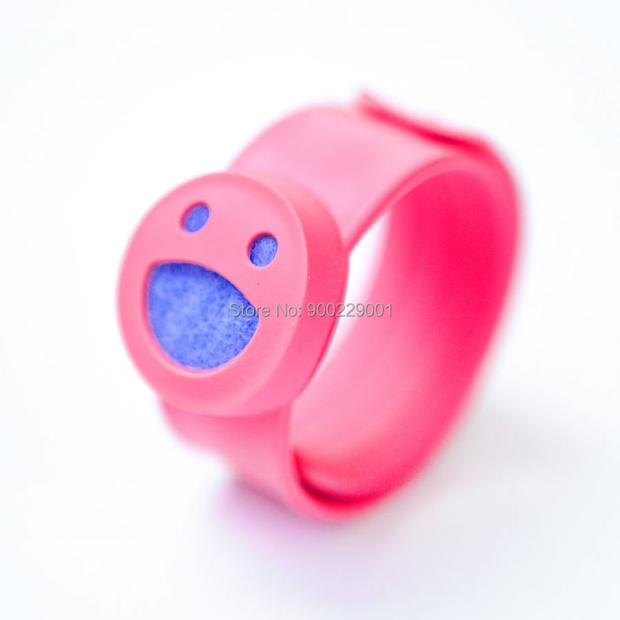 Smile Face Silicone Slap Kids Diffuser Bracelet Essential Oils Diffuser Perfume Wristband in Hologram Bracelets from Jewelry Accessories