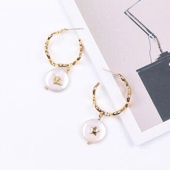 f19849f72337 Vanssey joyería de moda redonda insectos abeja estrella Natural barroca  perla latón assimétrico pendientes accesorios para mujer 2018 nuevo