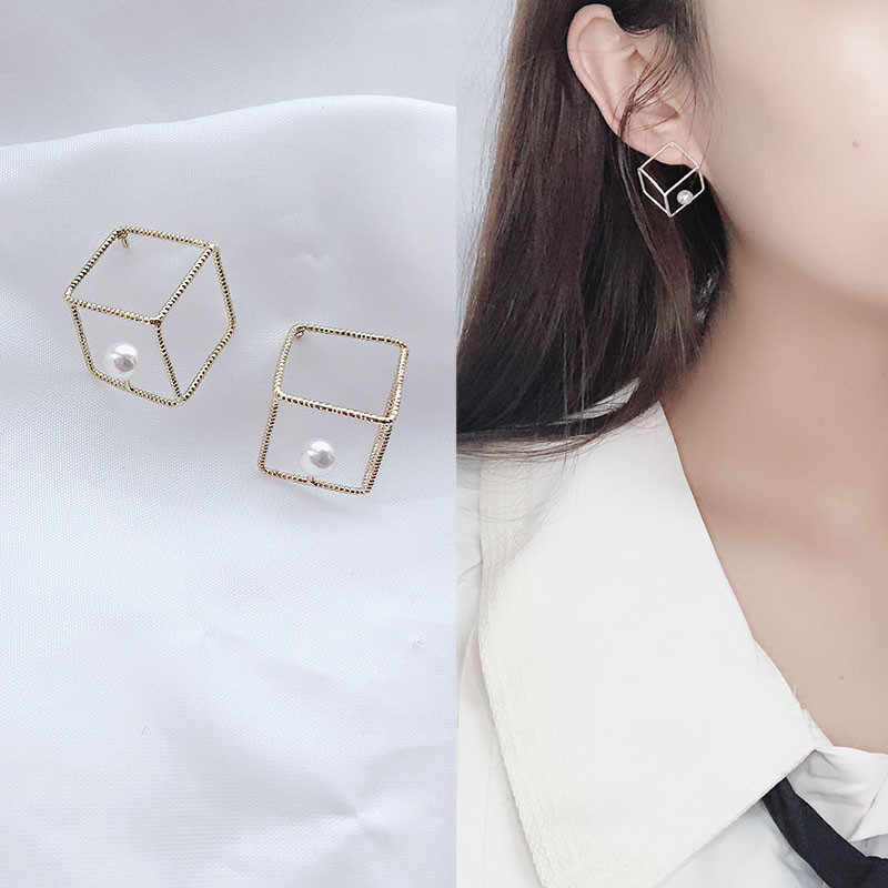 2019 new design brand earrings hollow square simple earrings for women.