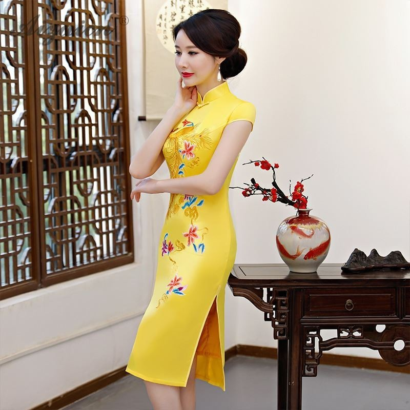 China Modern Cheongsam Red Satin Dress Qipao Short Traditional Chinese Qi Pao Oriental Style Dresses Summer Women Robe Orientale in Cheongsams from Novelty Special Use