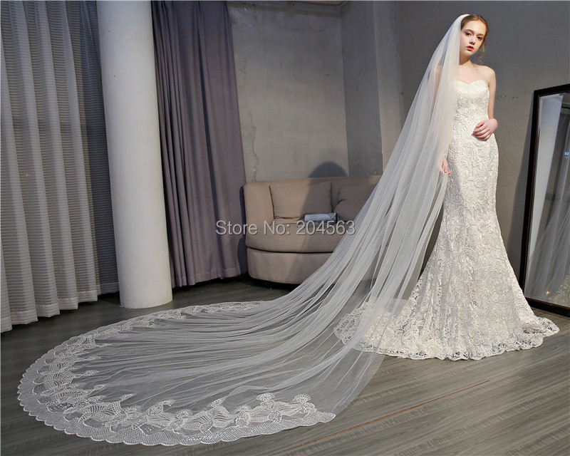 Stunning One-Layer Tulle Long Wedding Veils Tulle Lace Bridal Veils with Comb QY