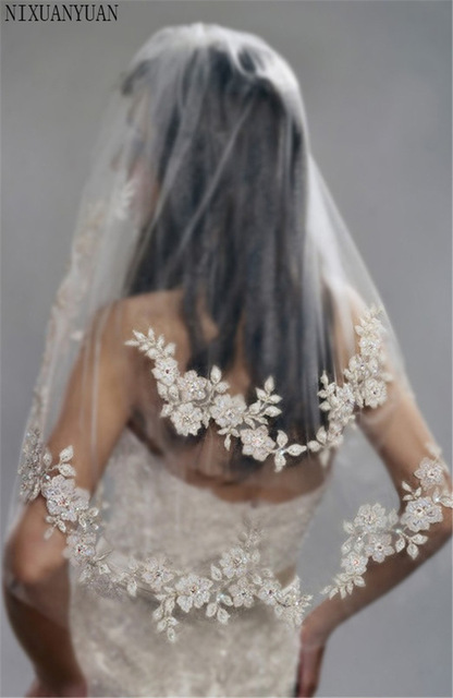 2019 Short Wedding Veils With Lace Cheap Imported Silver Thread Flower Bridal Veil 2 Tier With Comb Wedding Accessories