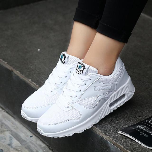 334e3f712bd Moda Coreano Branco Tênis de Plataforma 2018 Mulheres Sapatos de Couro  Rendas Até Rosa Vermelha de