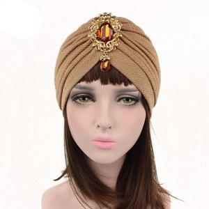 Image 2 - Kobiety indiański kapelusz muzułmański rozciągliwy czepek dla osób po chemioterapii moda chusta na głowę czapka Turban damski kapelusz Islam plisowany Rhinestone Bonnet utrata włosów