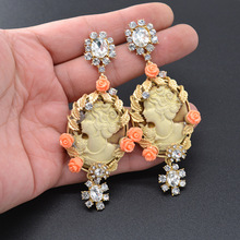 New Fashion Embossed Queen Beauty Earrings Baroque Crystal Vintage Statement Dangle Wedding Party Jewelry Gift