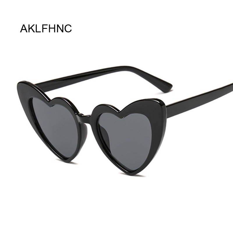 92a3c4f46 Nova Moda Óculos De Sol Das Mulheres Do Amor Do Coração Bonito Sexy Retro  Óculos Olho de Gato Do Vintage Óculos de Sol Baratos Preto Fêmea Vermelho  UV400