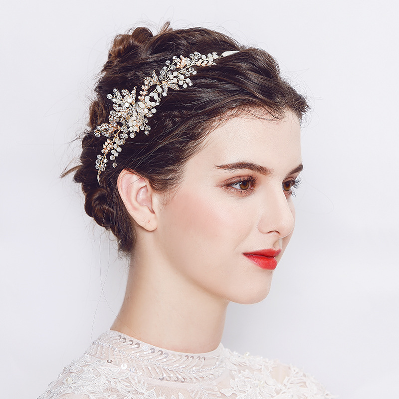 Wedding Hairstyle With Headband: Creative Bride's Head Ornaments Leaf Flowers Headband Soft