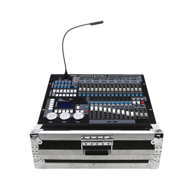 1024 Console DMX Controller Bar Club Theatrical Lighting Console Stage Moving Head Light Consoles DJ Controller With Flight Case1024 Console DMX Controller Bar Club Theatrical Lighting Console Stage Moving Head Light Consoles DJ Controller With Flight Case