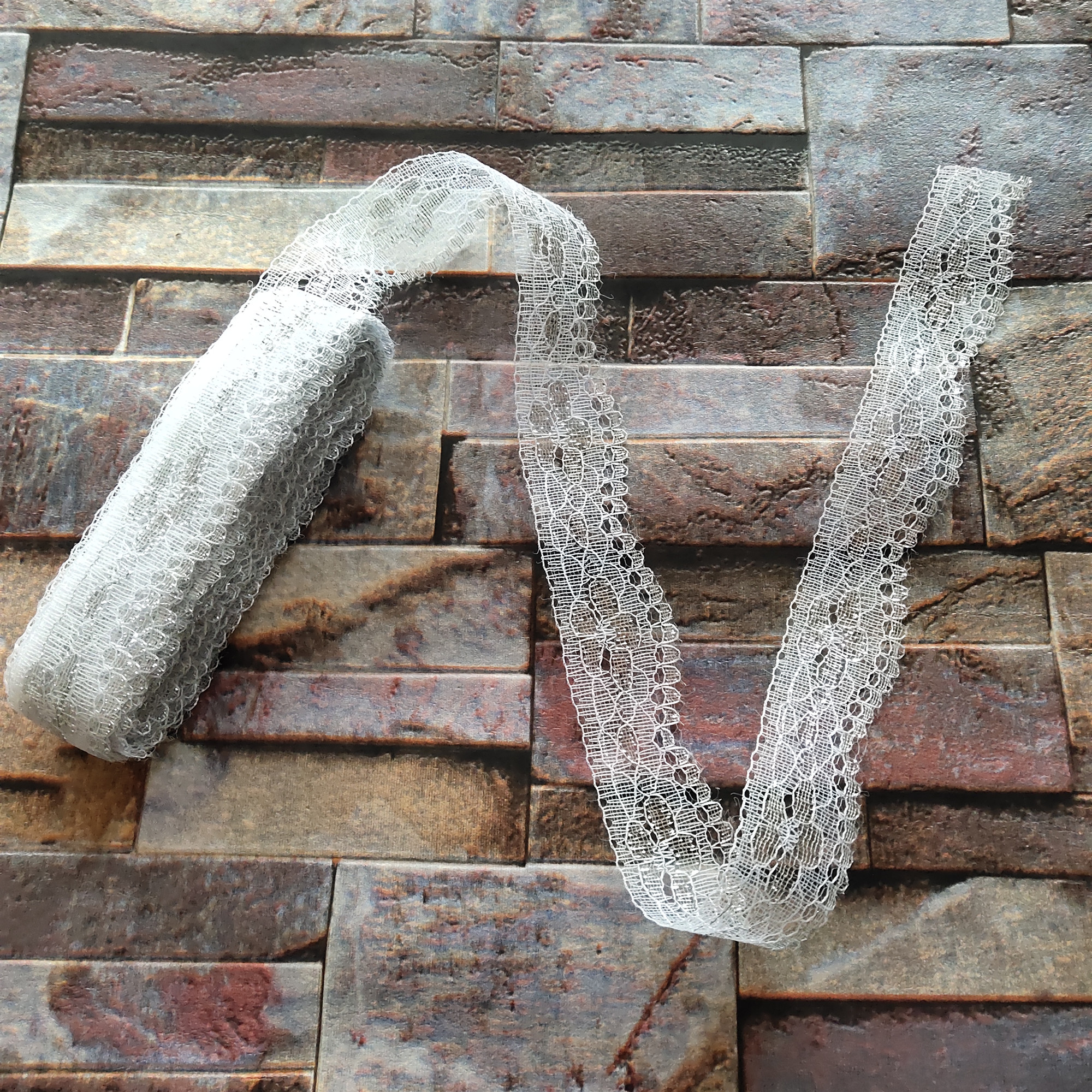 Красивая Белая и серебристая кружевная лента, ширина 25 мм, аксессуары «сделай сам» для одежды, лента для вышивания, 100 ярдов