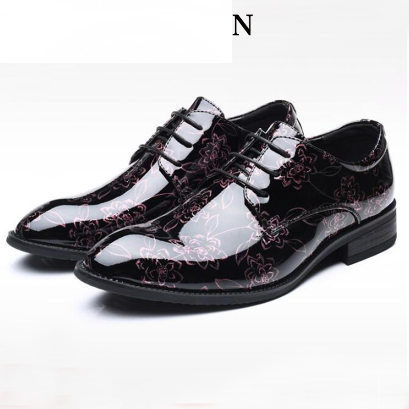 luxury Patent Leather business mens shoes Classic pointed Floral Lace-up Flat Dress Shoes Men Driving shoes Large size 38-48luxury Patent Leather business mens shoes Classic pointed Floral Lace-up Flat Dress Shoes Men Driving shoes Large size 38-48