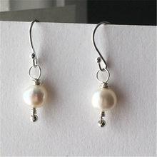 2704c95bdcc6 10-11mm blanco barroco perla del Mar del Sur pendientes gancho de mujer de  moda
