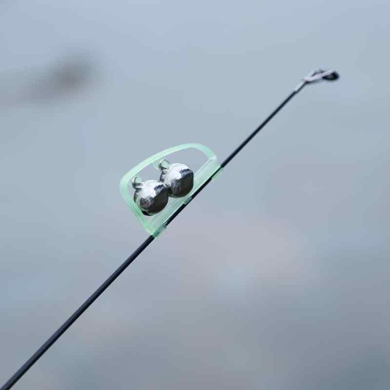 Brillan en la oscuridad de alarma de pesca al aire libre doble campanas anillo caña de pescar para campanas morder Clip atraer las campanas de alarma de pesca accesorios
