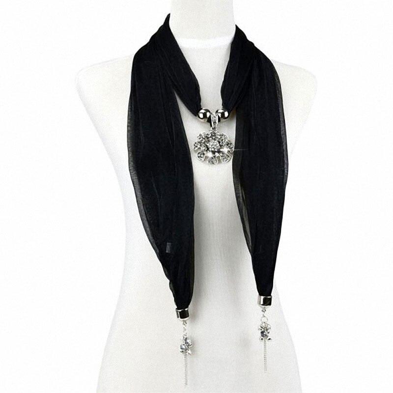 Control de calidad /_ mujer moda suave del grano Borlas Bufanda con amor corazón Charm Colgante Decoración