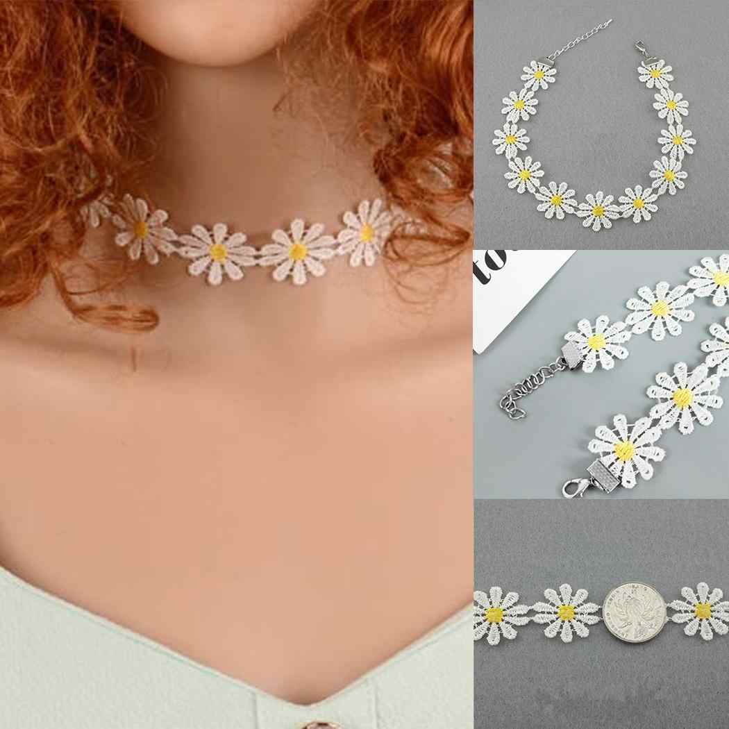 Fashion Classic Daisy Choker Club Women Lace Necklace Party Casual Boho Yellow Flower Necklace Hippy Collar White