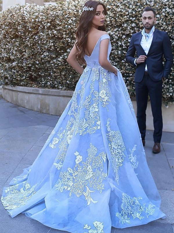 Ball Gown Sleeveless Off-the-Shoulder With Applique Tulle Brush Train Light Blue Prom Dresses