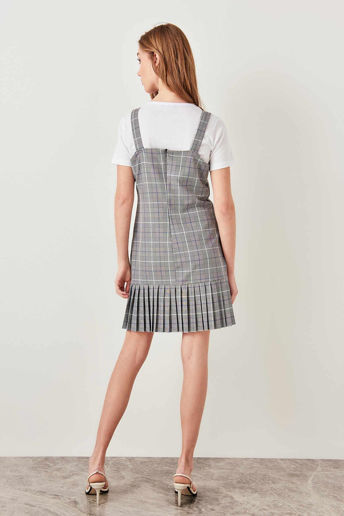 Trendyol черное клетчатое платье на плечо TCLSS19LJ0029