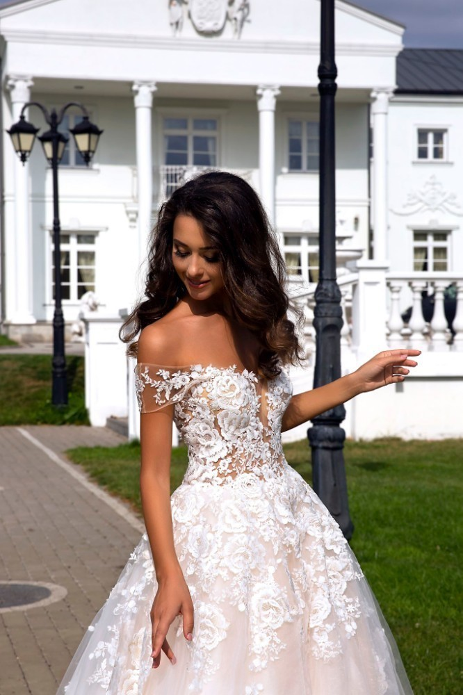 919de8d2b3 Vivian's Bridal 2018 Elegant Floral Print Champagne A-line Wedding Dress  Sexy Backless Deep V-neck Off Shoulder Bridal Dress