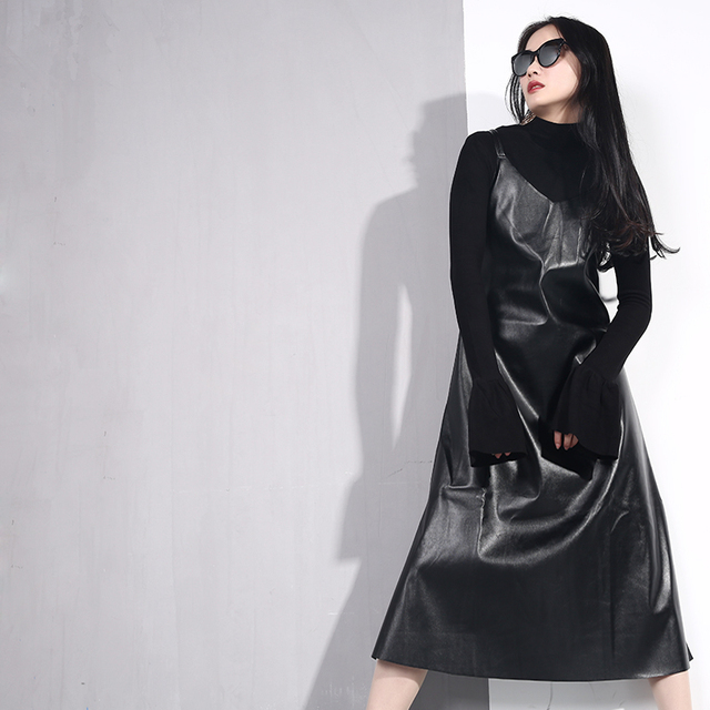 [EAM] 2019 New Spring Summer Spaghetti Strap Sleeveless Hem Vent Black Loose Pu Leather Dress Women Fashion Tide All-match JO2 4
