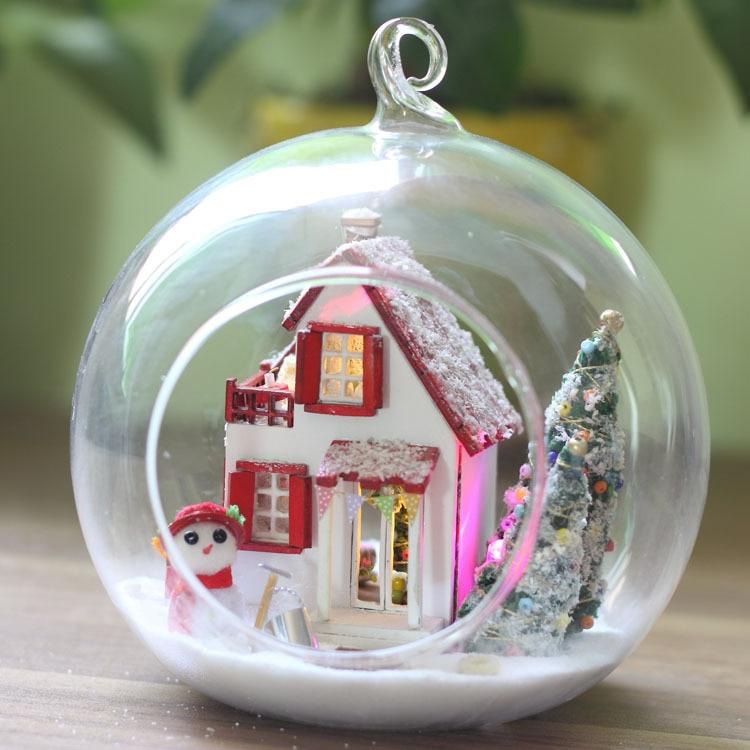 DIY Christmas Taste Glass Ball Dollhouse G010 Mini Creative Wooden Assembling Handmade Cute Furniture LED Light Couples Toy Gift 2