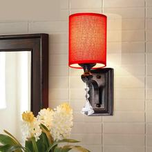 Lámpara de pared de habitación para invitados con pantalla roja Roma lámpara de espejo tela rural dormitorio Pared de salón candelabro pasillo de boda pasillo luz de pared