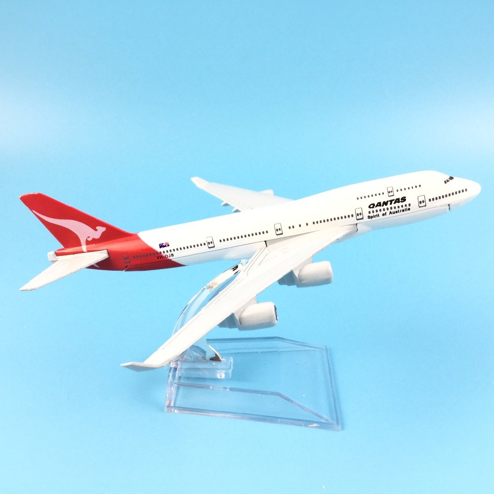 Aircraft Model 16cm Metal Diecast Qantas Boeing 747 Model Plane Airplane Model Kids Toys