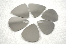 30pcs No Logo 0.3mm Speed Standard Heart Shape Triangle Chrome Metal Stainless Steel Picks Electric Guitar Bass Plectrums