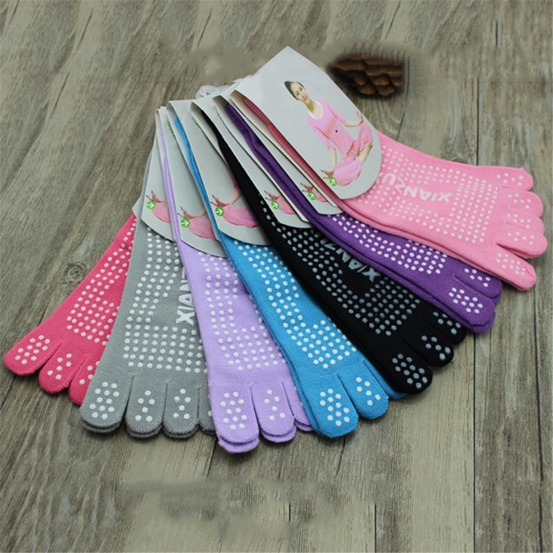 Women's Anti-skid Solid Color Knee-high Autumn Winter Sports Yoga Toe Socks Fitness Ladies Girls Five Fingers Pilates Yoga Socks
