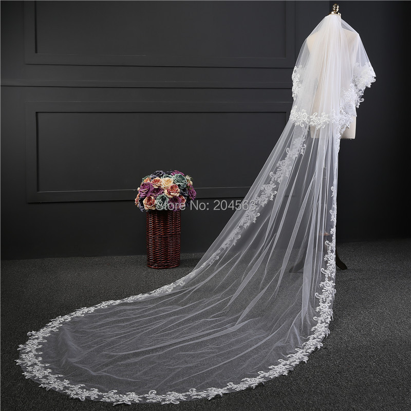 White or Ivory T -Layer Charming Appliques Wedding Veils Lace EdgeTulle Veil for Bride with Comb HL2019