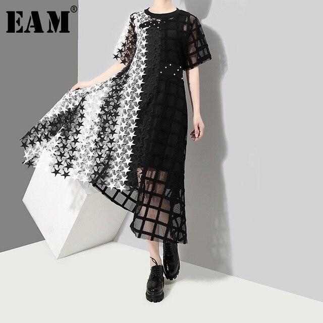 [EAM] 2019 New Spring Summer Round Neck Short Sleeve Black Hit Color Hollow Out Irregular Loose Dress Women Fashion Tide JL939