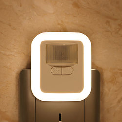 Luz LED con Sensor de movimiento enchufable, lámpara nocturna de pared con brillo 30s/60s/90s/120s, tiempo de iluminación ajustable para sala de estar