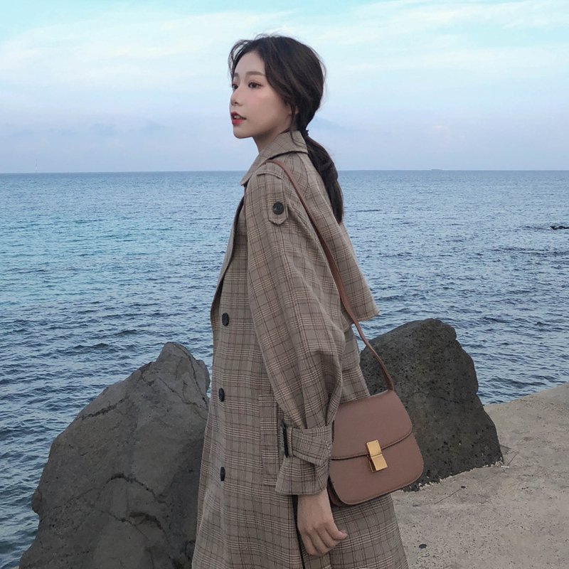 Korean Style Ladies   Trench   Coat Plaid Long Double Breasted Waist Belted Oversize Loose Women Coat Outerwear with Storm Flaps