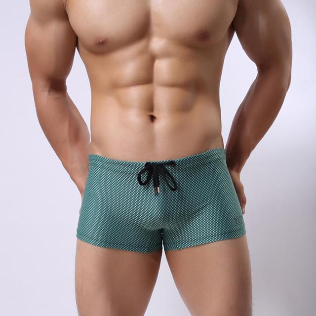 גברים לשחות בוקסר Trunk אופנה אקארד מכתב הדפסת שחייה חוף מכנסיים קצרים רך נוח כושר מהיר יבש ספורט גזעי בגדי ים