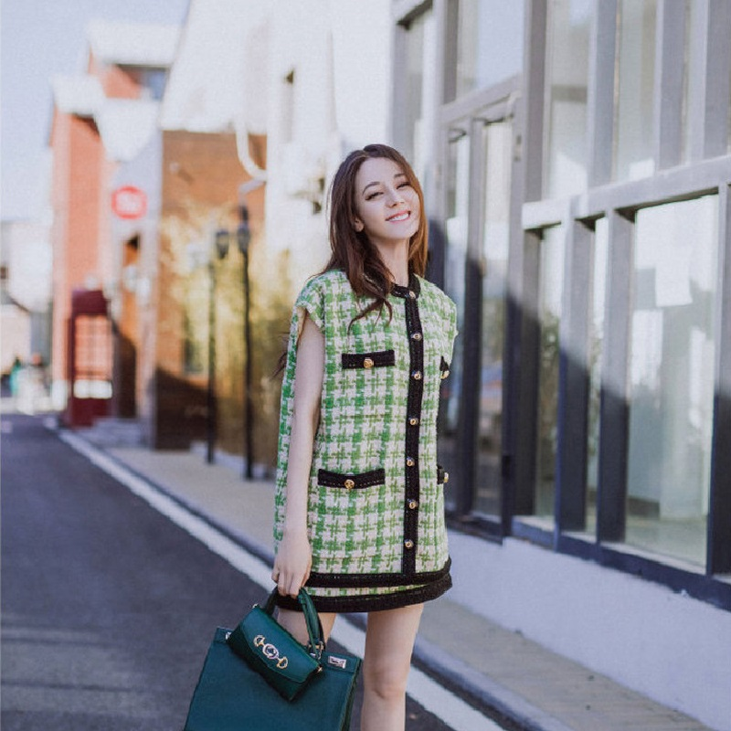 2019 Summer Sweet Green Plaid Two Pieces Skirt Suit Women 2 Pieces Set Lady Vintage Plaid Cardigan Vest Skirt Suit Clothes