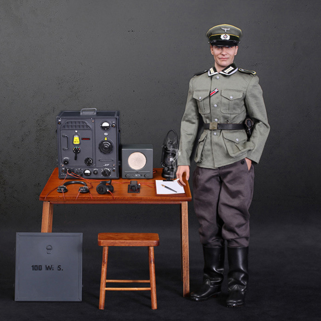 Hot Sale 30cm 1/6 Soldier Model Suit Realistic Headsculpt DIY Handmade DID German Communications Center Radio Soldier CorporalHot Sale 30cm 1/6 Soldier Model Suit Realistic Headsculpt DIY Handmade DID German Communications Center Radio Soldier Corporal