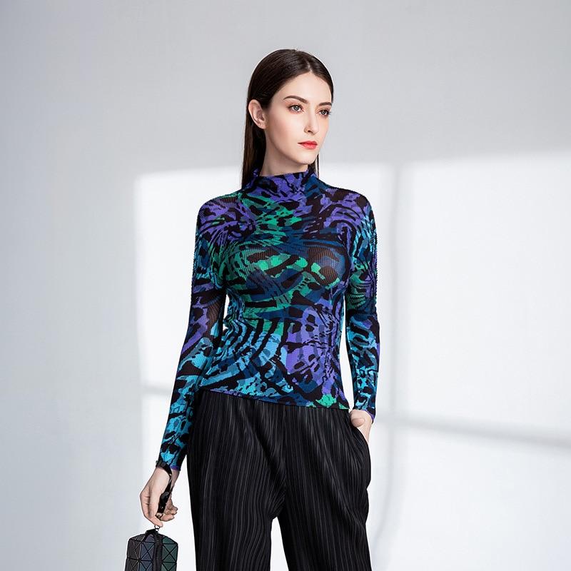 LANMREM 2019 New Fashion Turtleneck Collar Personality Print Pleated Clothing Female s Long Sleeve Elastic T