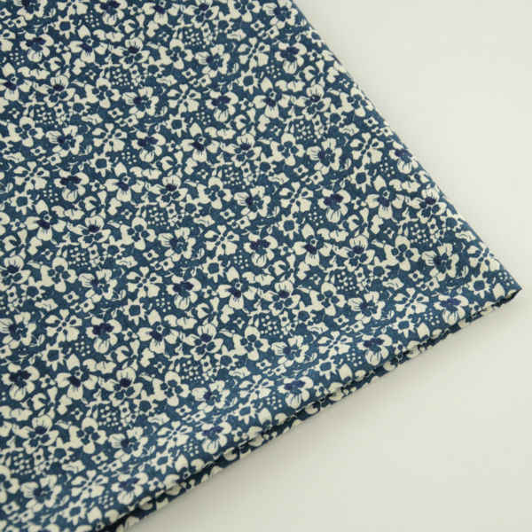 Lovely Flowers Design Printed Cotton Blue Fabric for Clothing Cloth Fat Quarter Sewing Telas Tecido Tissue Beginner Practice CM