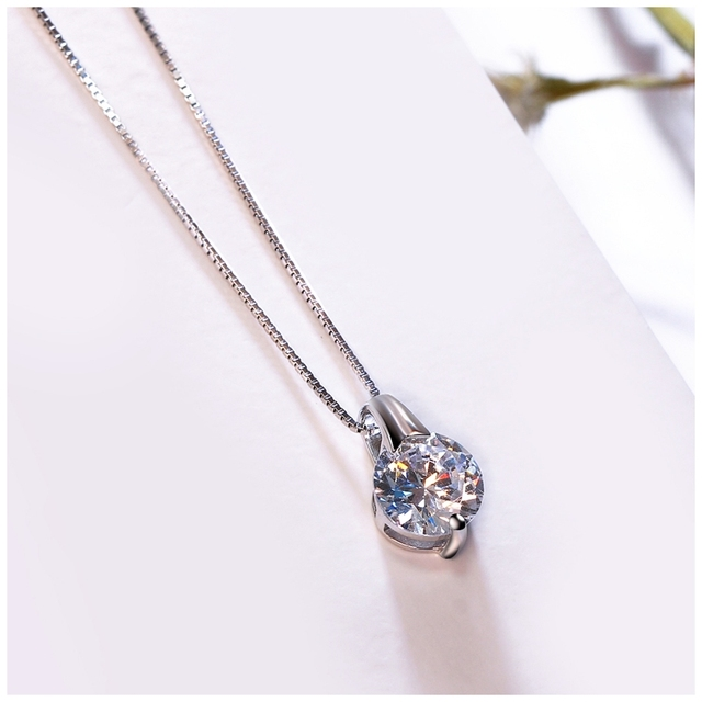 Round Shaped Pendant Necklace for Women