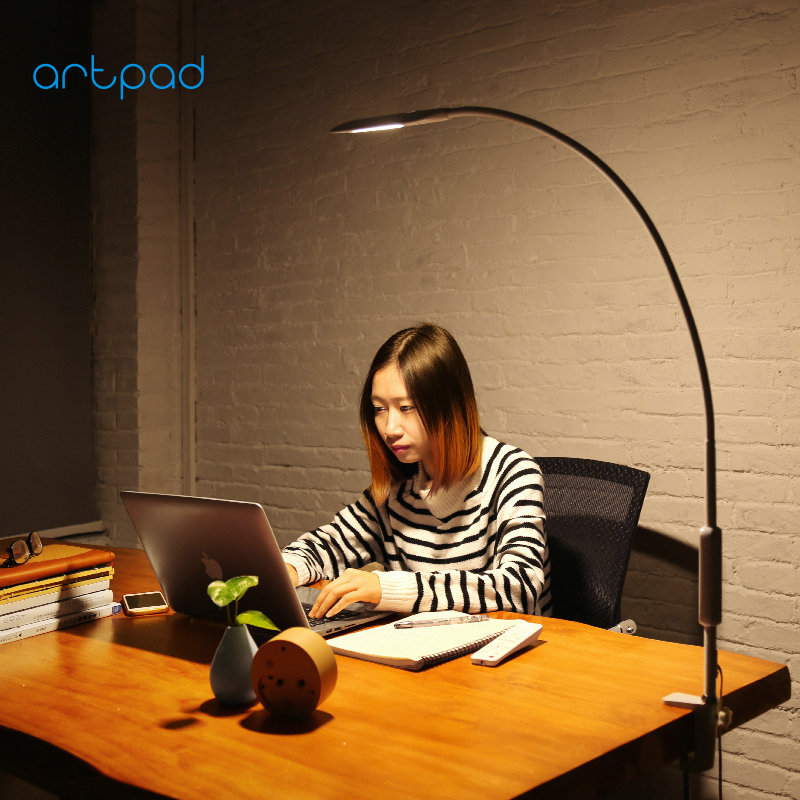 Artpad Eye Protection Long Arm Clip-on Lamp 360 Rotatable Gooseneck Touch Dimmer Work Bedroom Desktop Lamps with Remote Control