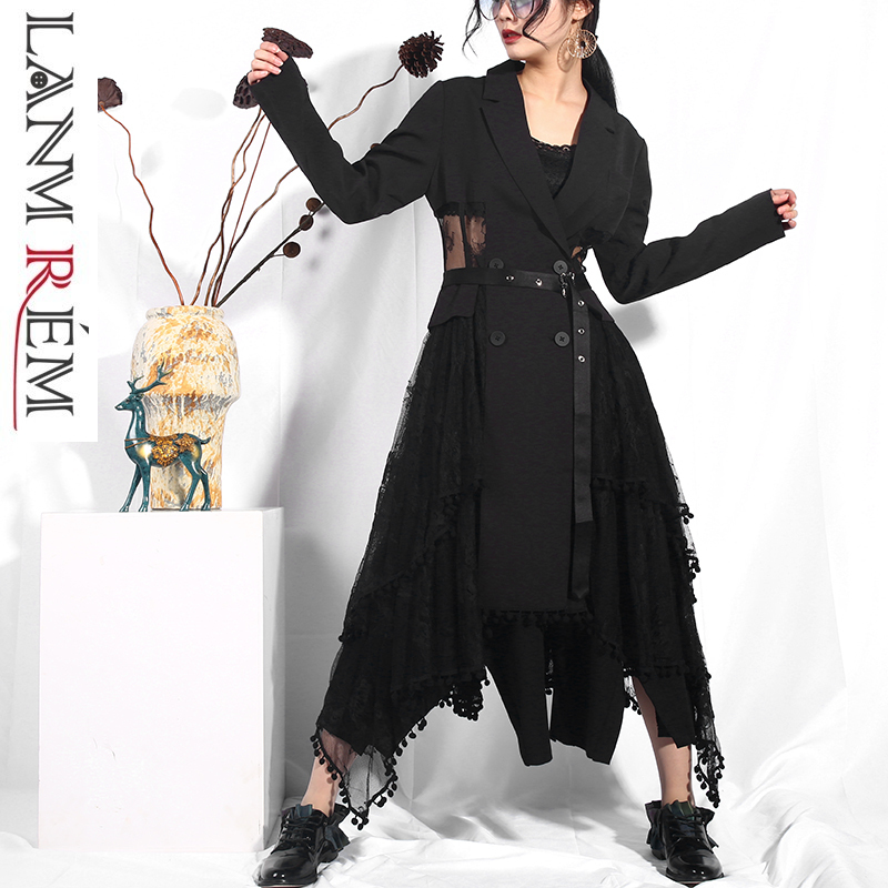 LANMREM 2019 New Spring Woman Irregular Lapel Belt Black Lace Split Joint Windbreaker Female   Trench   Fashion Tide Overcoat JO569