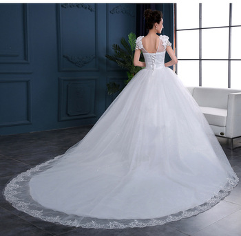 A Line Wedding Dress Luxury V Neck Lace Back Short Sleeve Puffy Appliques Lace Bridal Gowns With Long Train Vestidos De Noiva