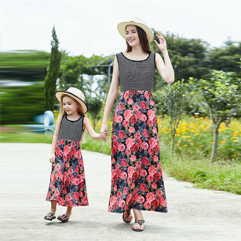 ccd6243cd3 Fashion Mommy and Me Family Matching Dress Vestidos Summer Mother Daughter  Floral Sleeveless Draped Dresses Holiday