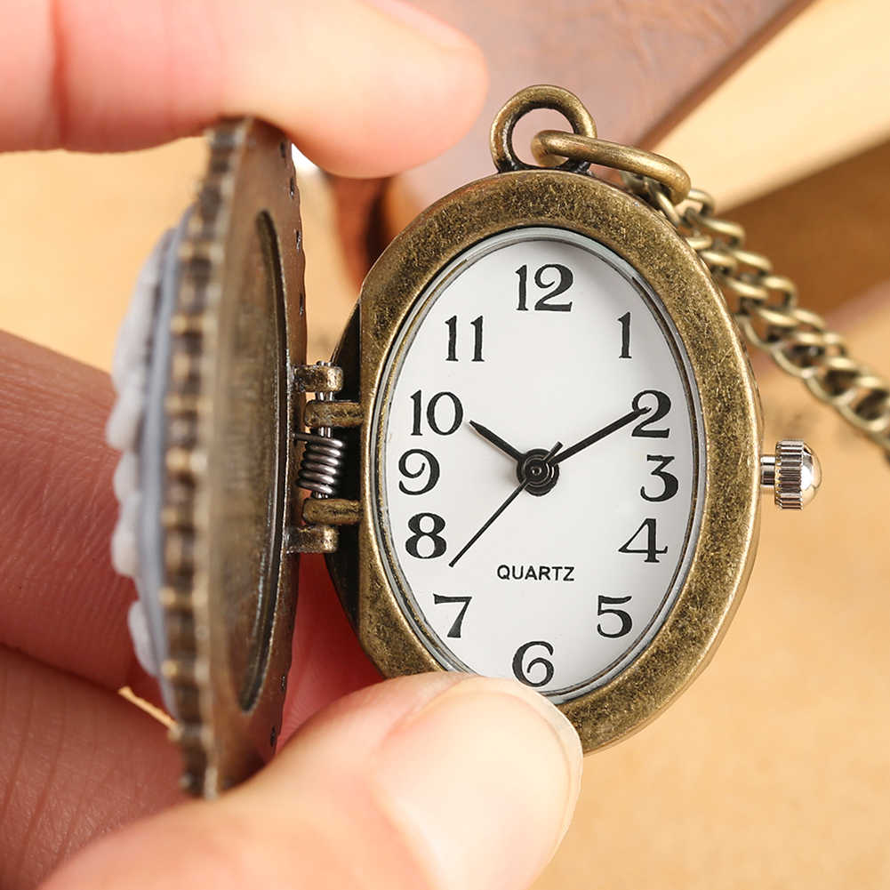 Virgin Mary's Pattern Pocket Watch Quartz Pocket Watches Arabic Digital Vintage Oval Shape Clock Pendant Best Gift for Men Women