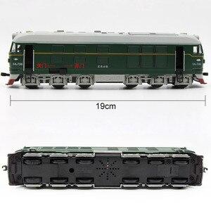 Image 5 - Locomotora diésel de aleación para niños, modelo de locomotora de combustión interna de aleación 1:87, tren óptico acústico, juguetes para niños