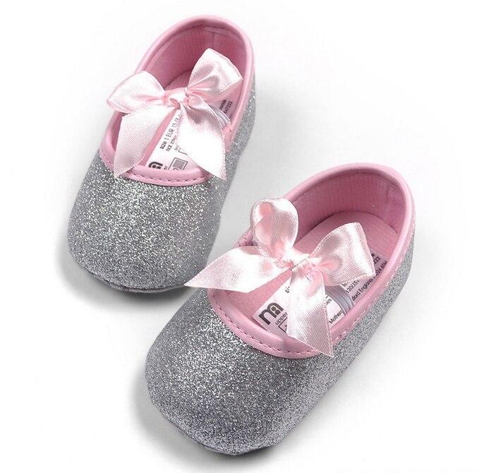 27afd4402f4e8 Bébé filles chaussures carter de Prewalker bébé fille Sneakers PU premiers  marcheurs printemps automne enfants en bas âge chaussures expédition de  baisse ...