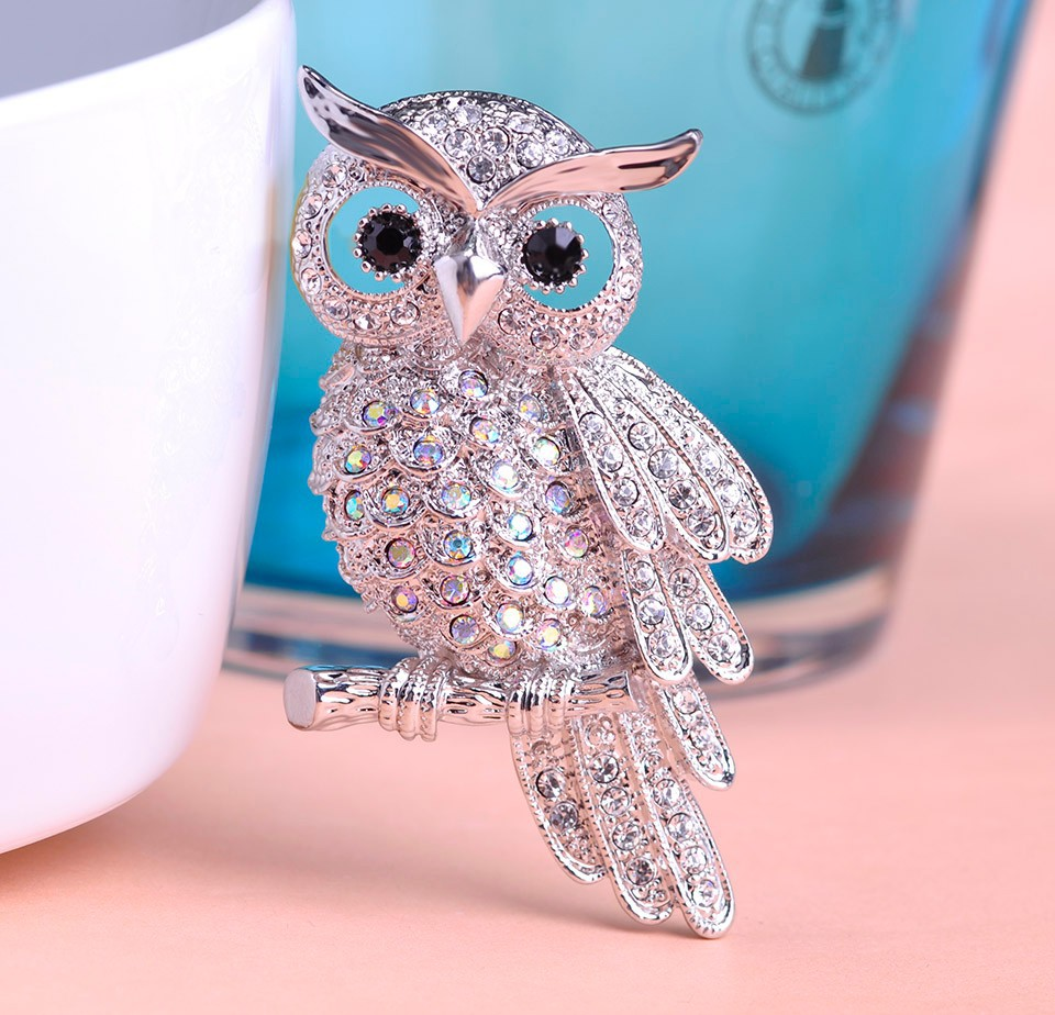 silver-vintage-owl-brooch-with-grey-and-black-rhinestones