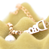 новые горячая распродажа 18 к роуз титана стали ювелирные изделия создан жемчуг буквы браслеты для женщин